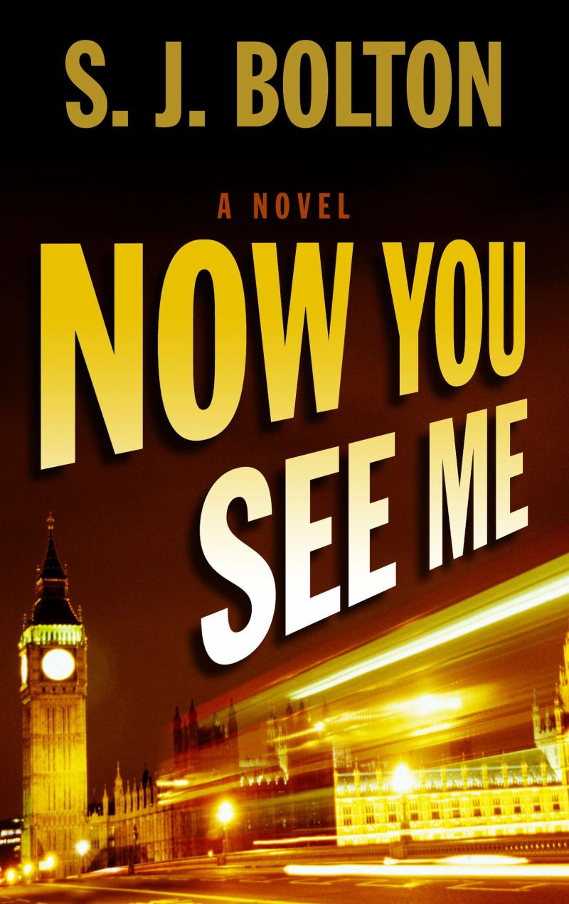 Now You See Me, Large Print Edition